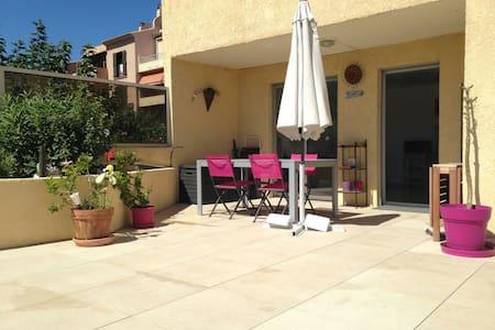 Appartement de 35m2 avec terrasse - Carqueiranne