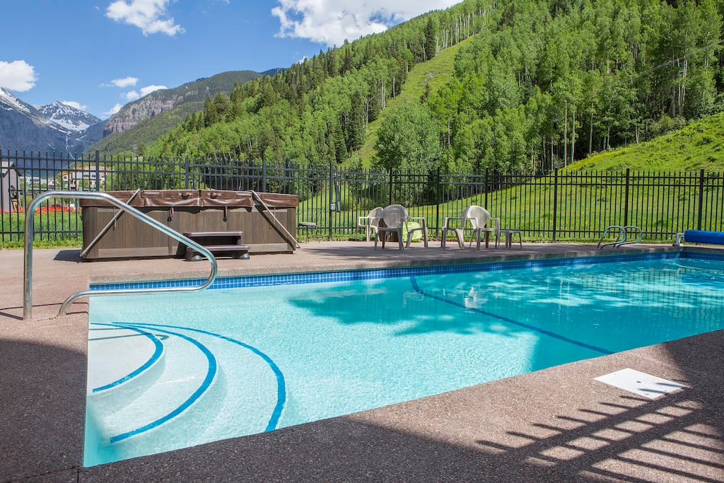 A rare amenity in Telluride! A summer heated pool. Also, a year-'round hot tub too.