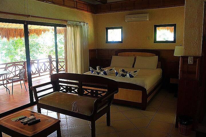 Sunrise Vista Suite