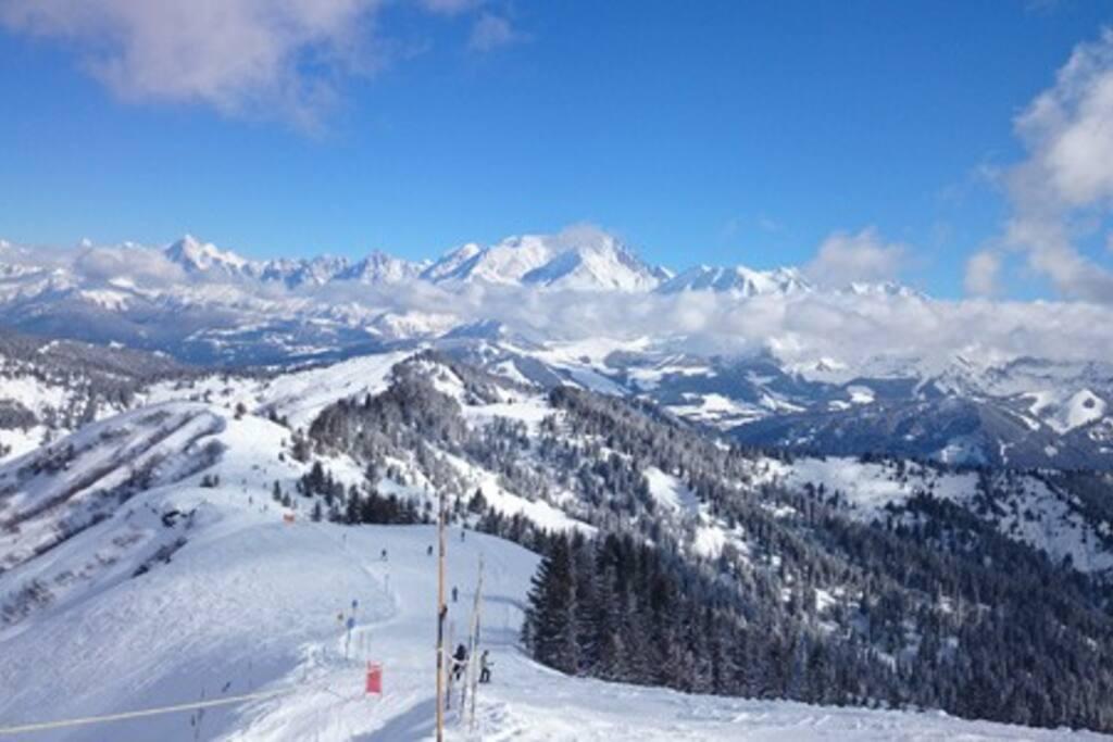 le domaine skiable de Megève - jaillet vue sur le mont blanc