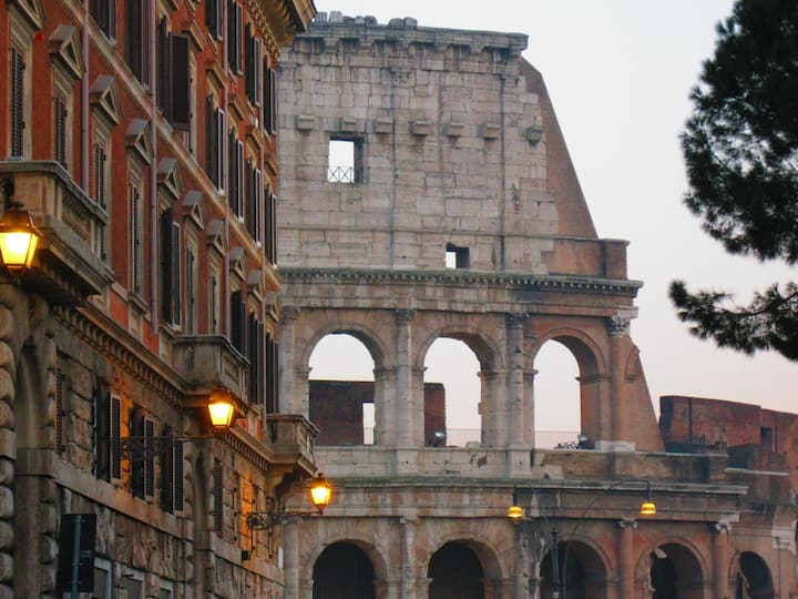 Colosseum Street n.1 - at 100 mt to the Metro
