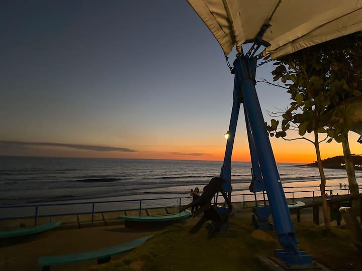 Sol Mar y Tierra Hot water, A/C, WiFi, beach