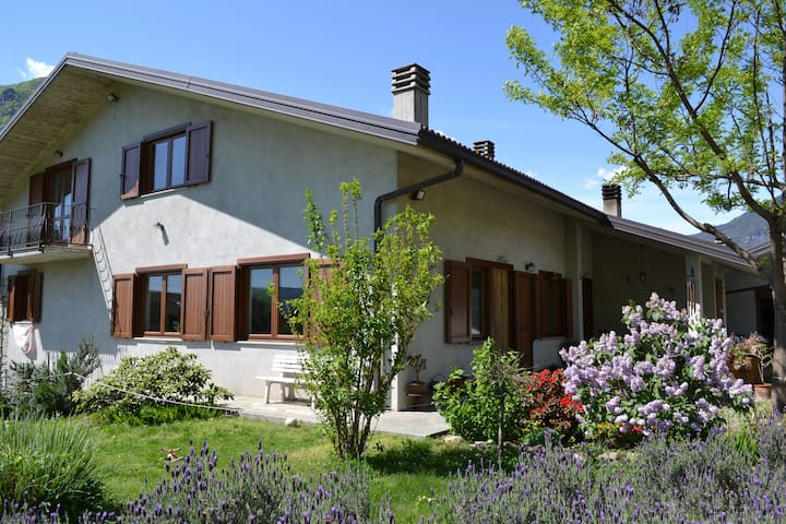 Beautiful house in the mountains 2b - Castelnuovo-combalere - Hus