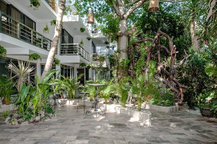 Villa privada 10 habs! 5a av cerca Playa