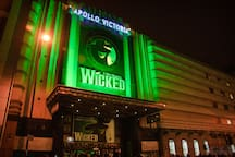 Wicked Musical- 5 min walk from the apartment