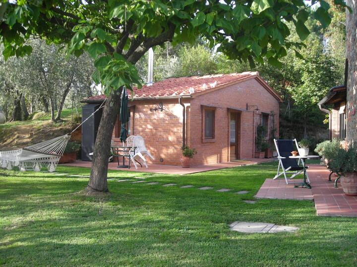 Tuscany cottage with pool & hot tub