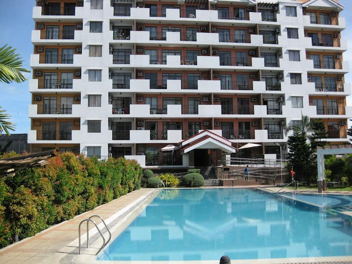 center, ocean view, swimming pool
