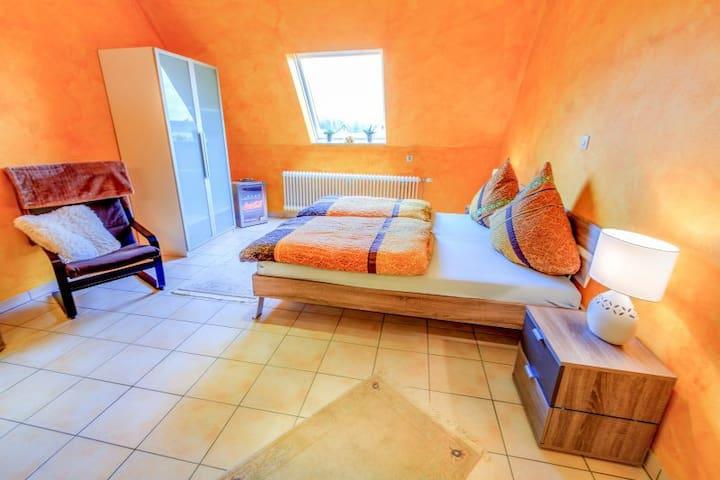 Schöne 1 Zimmer Wohnung 35qm ohne Küche - Reute - Appartamento