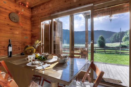 Chalet Sanjam Liku with sauna in untouched nature