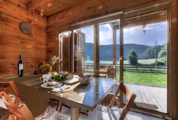 Chalet Sanjam Liku with sauna in untouched nature