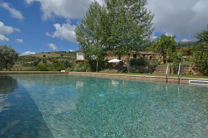 Suitelowcost Castel di Lucio Resort - Castel di Lucio - วิลล่า
