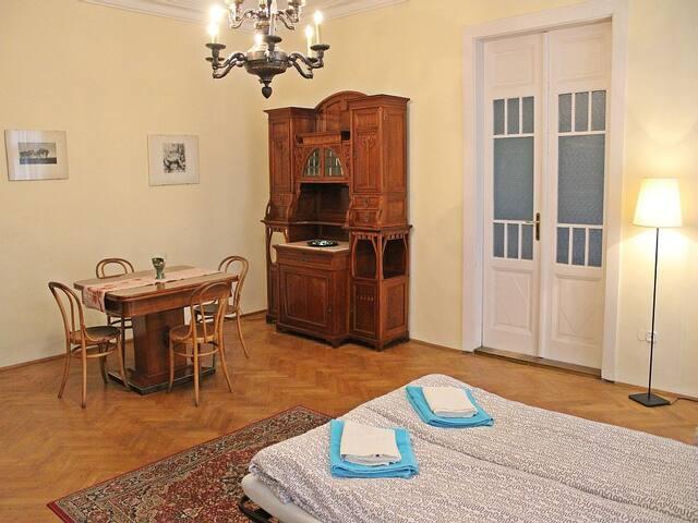 Prestigious Apartment 4-rooms