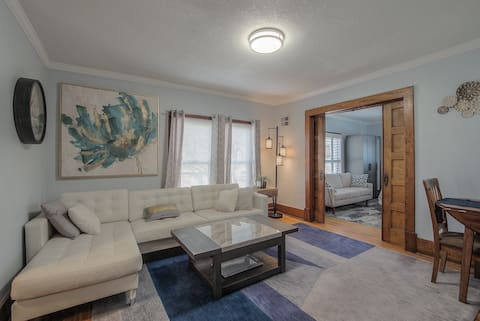Charming, Updated & Historical 2 bedroom (apt #4)
