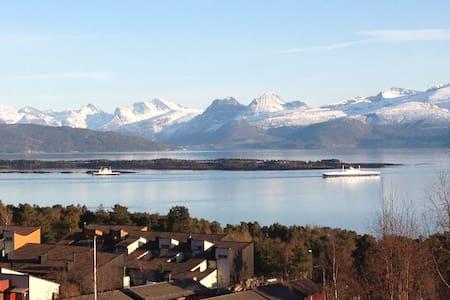 Vakker beliggenhet og utsikt - Molde