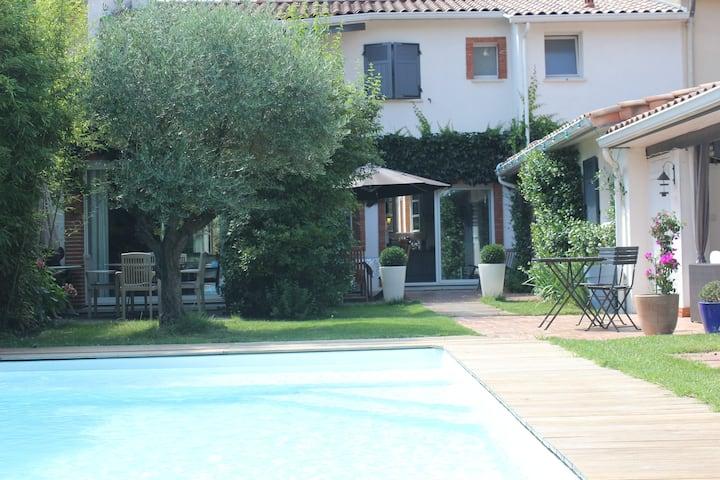 Villa 200 M2 calme Piscine quartier résidentiel