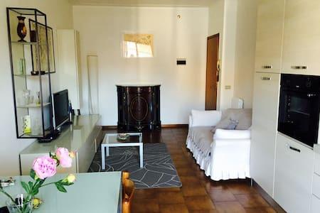 Appartamento vicino Viareggio - Torre del Lago - อพาร์ทเมนท์