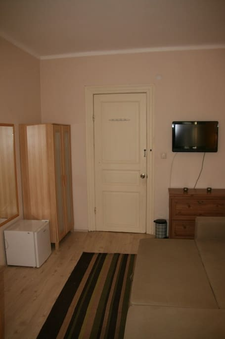 Wardrobe,TV, MiniFridge
