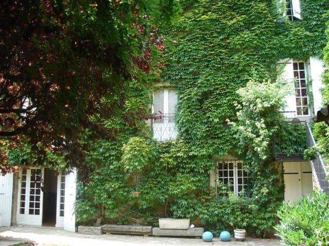 Beautiful Maison du Maitre