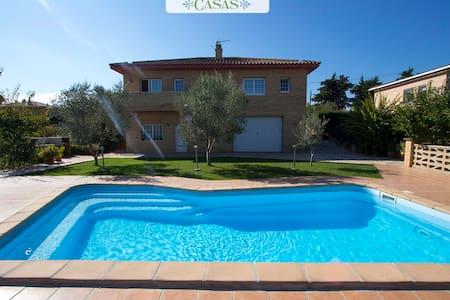 Villa in Sils in Costa Brava! - Sils - Hus