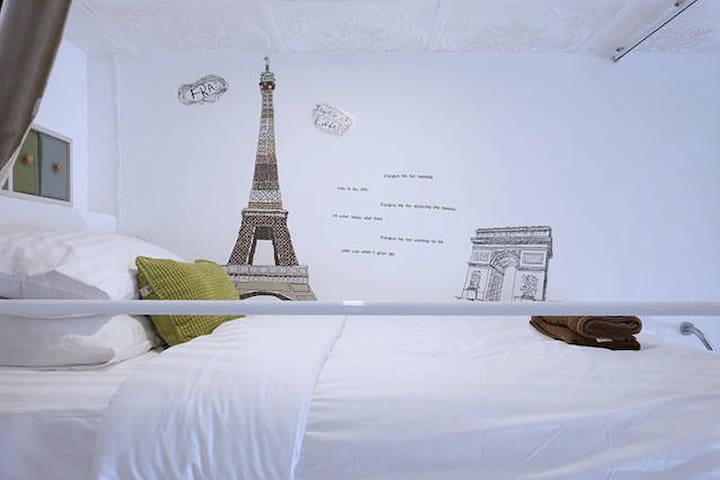 2nd floor bed with Paris signature