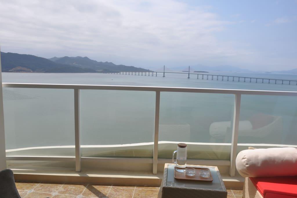 阳台上的风景,一望无际的海景
