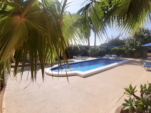 Cana Rebecca - 3 bed country home near the beach