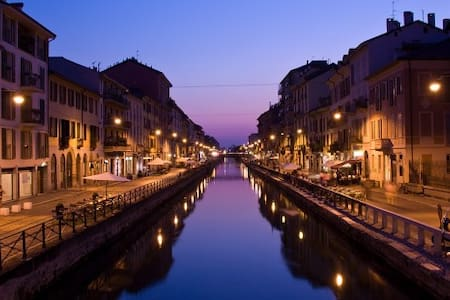 Naviglio : The sound of Silence