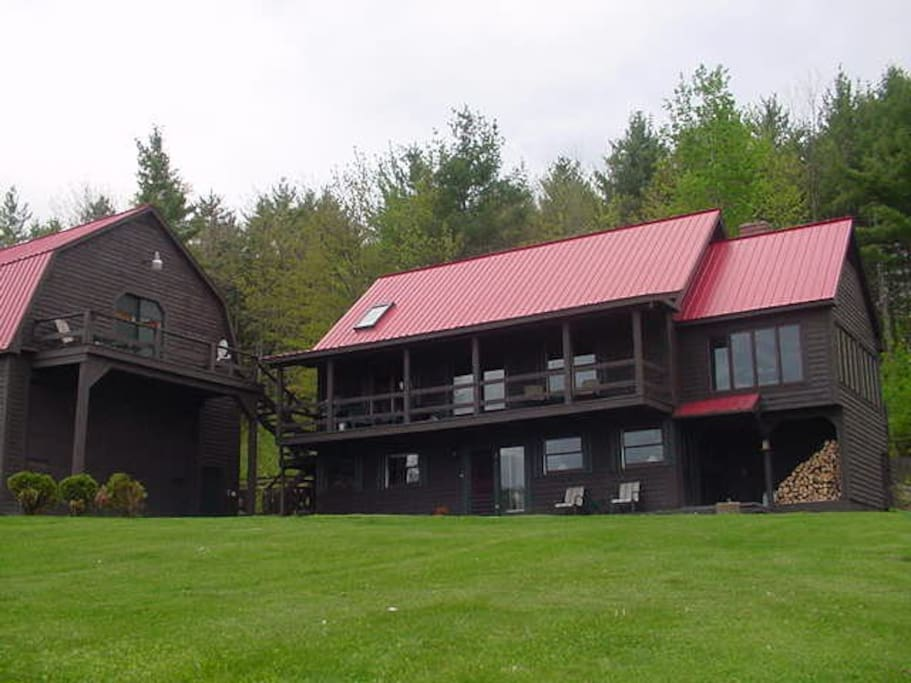 BARN GUESTHOUSE is on the LEFT.  The Main Home is also a vacation rental for a party more than 2.