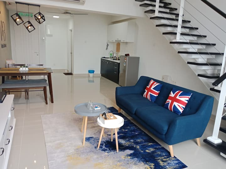 TAB Family Duplex Suite KL@ 5mins to Midvalley