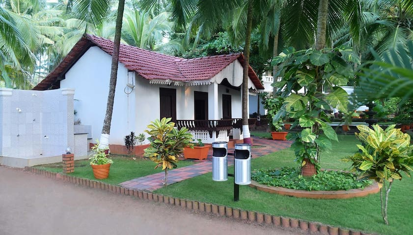 Cozy and Luxurious Stays with Breakfast and Balcony at Kannur