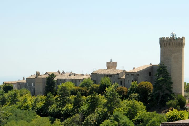 Soggiornare in un borgo da sogno - Moresco - Huis