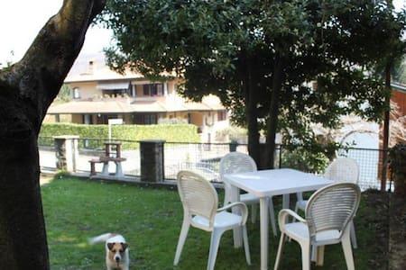 ACCOGLIENTE BILOCALE LAGO MAGGIORE - Carpugnino - Daire