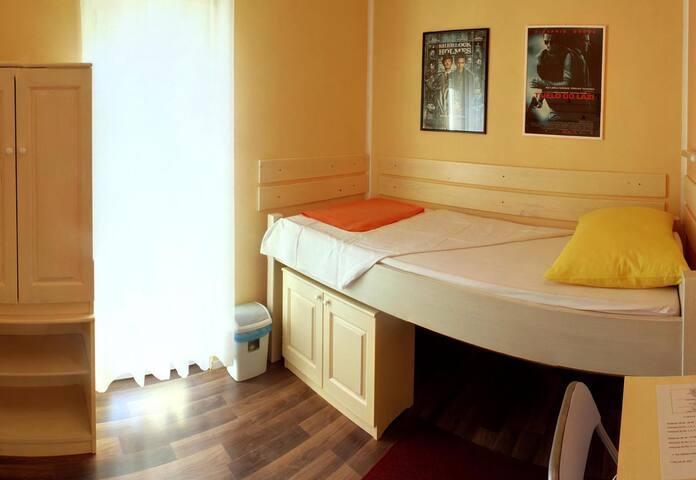 Cinema House Room 5 - Pula - Bed & Breakfast