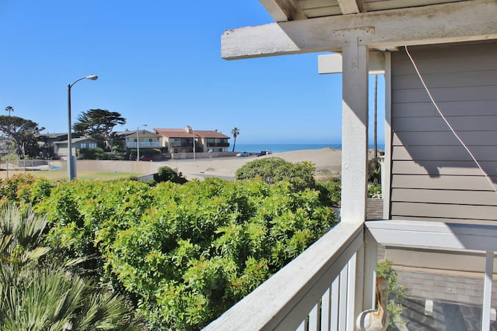 Pierpont Home Away from Home, just steps away from the beach!