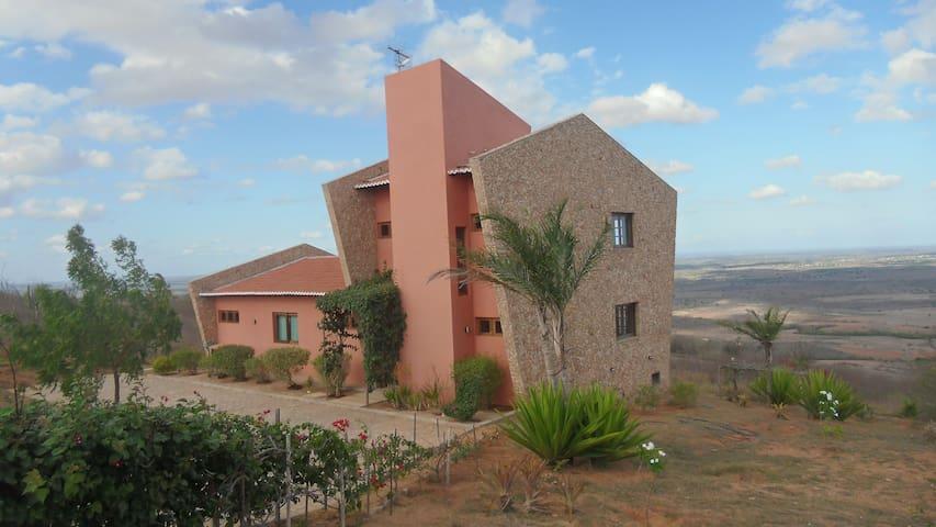 Casa Aconchegante no Alto da Serra - Serra de São Bento - บ้าน