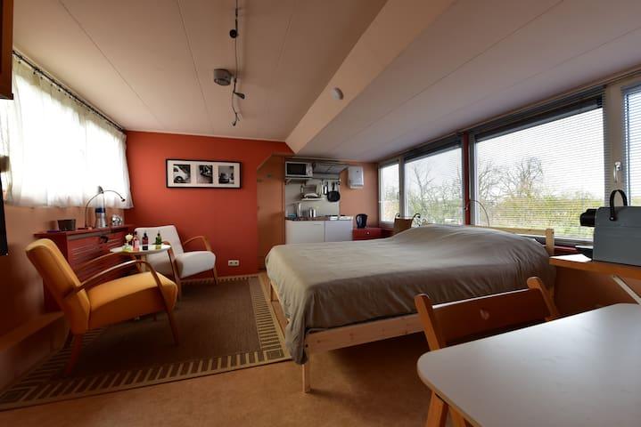 Fijne slaapgelegenheid bij centrum - Zwolle - Maison
