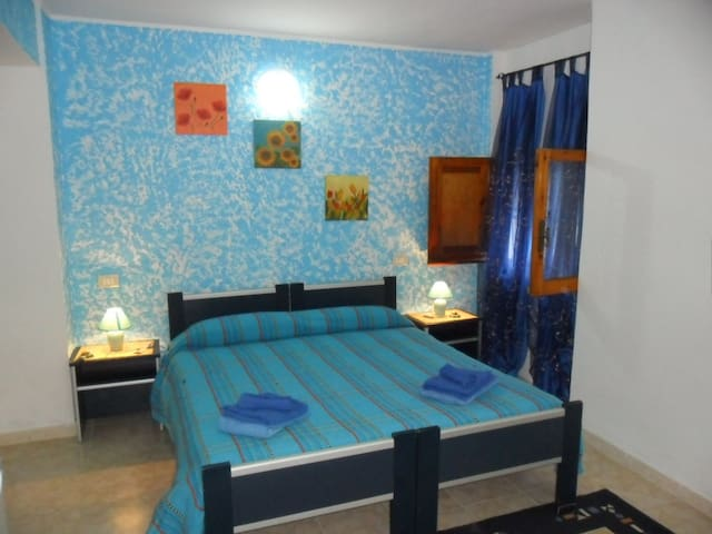 B&B LA CASA PODERALE : CAMERA BLU. - Alguer - Bed & Breakfast