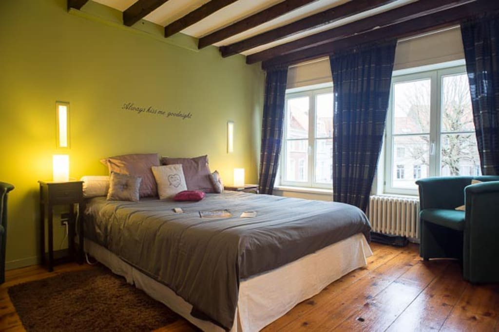 Anna 39 s b b in hartje brugge chambres d 39 h tes louer for Chambre d hotes bruges