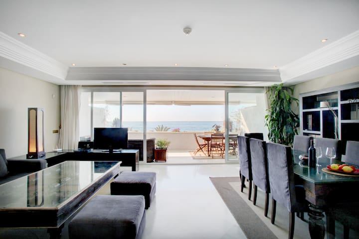 Stunning Luxury duplex by the Sea - Marbella