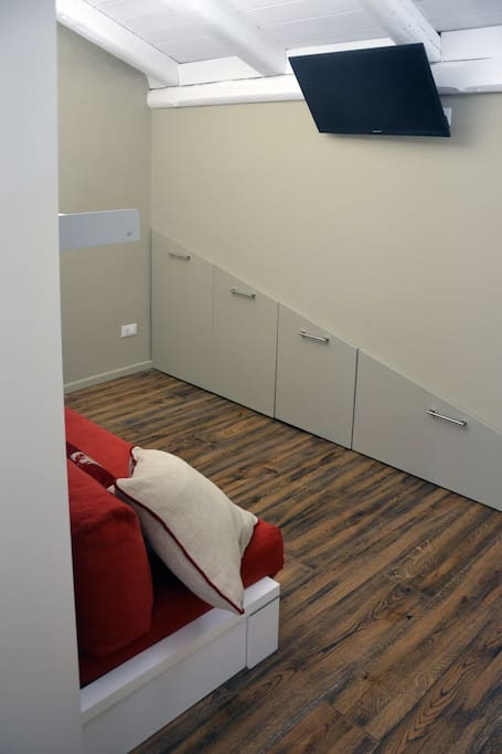 zona soggiorno/camera letto