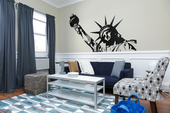 Times Square, New York City- 15 min bus ride away! - Weehawken - Apartment