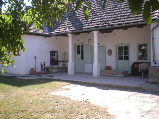 HUNGARY Haus auf der Insel bei Bp.  - Kisoroszi - Talo
