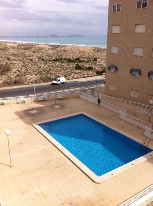 Swimming pole with seaviews, showers and sunbath area.