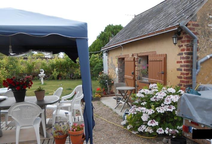 Chambre d'hotes en Val de Loir - Genneteil - Huis