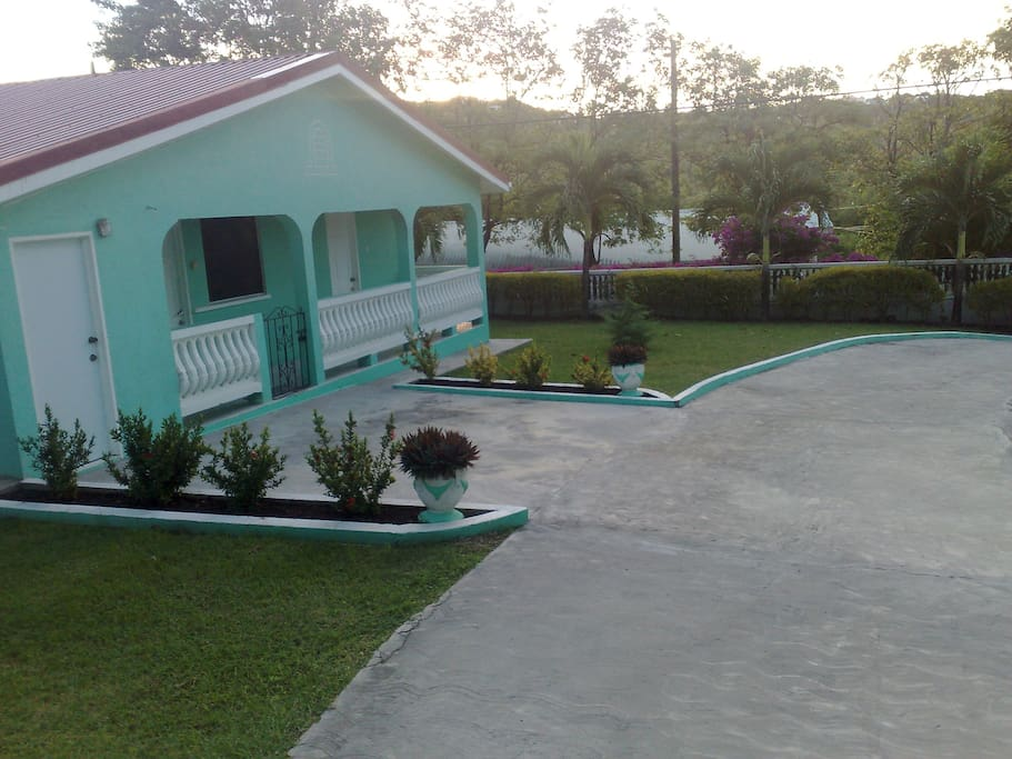 Belle Kaye Detached Air-Conditioned Villa