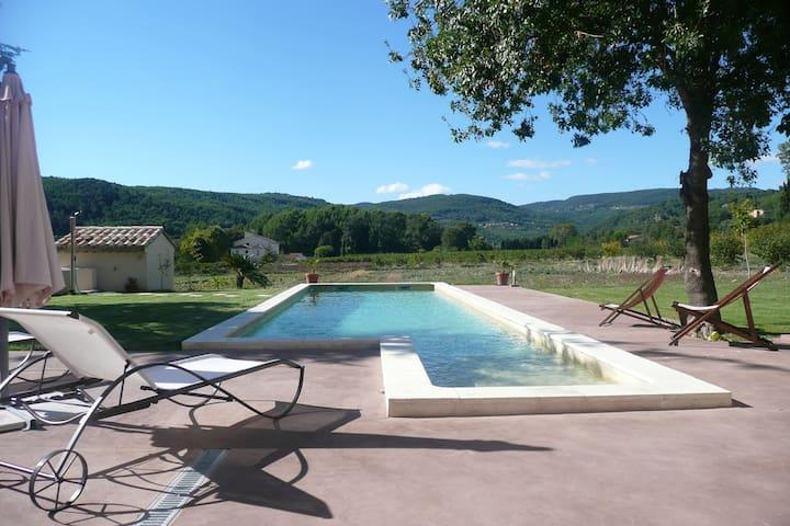 Villa d'architecte avec piscine - Draguignan - Casa