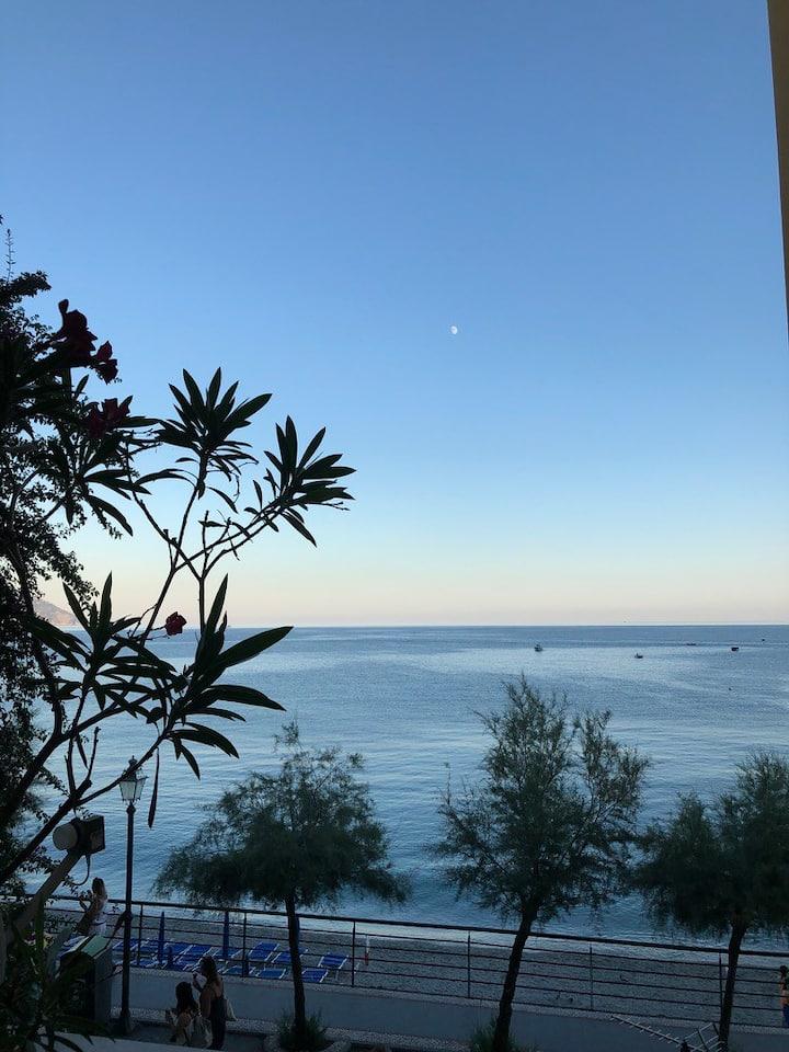 Monterosso Sea View Apartment