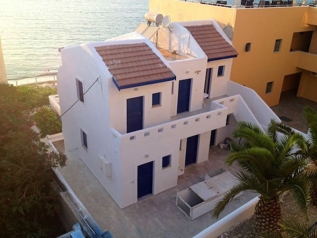 Villa Christina on the Beach!!! - Mirties - Vila
