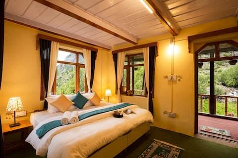 Deluxe Private Room in Homes Rakchham
