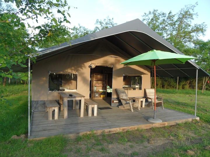 Lodge Safari proche Le Pal avec piscine